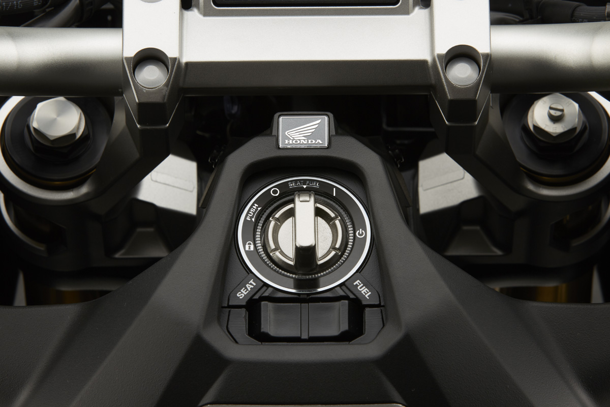 Licht und Elektronik des X-ADV